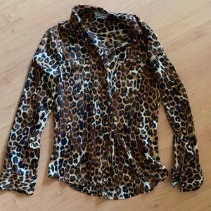 Express slim leopard shirt small